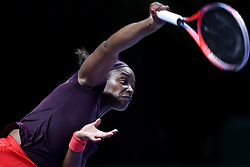 October 26, 2018 - Singapore - Sloane Stephens of the United States serves during the match between Angelique Kerber and Sloane Stephens on day 6 of the WTA Finals at the Singapore Indoor Stadium. (Credit Image: © Paul Miller/ZUMA Wire)
