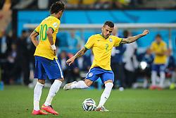 Daniel Alves do Brasil na estréia da Copa do Mundo 2014, na Arena Corinthians, em São Paulo. FOTO: Jefferson Bernardes/ Agência Preview