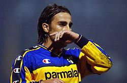 18-10-2001 VOETBAL: UEFA CUP FC UTRECHT - PARMA: UTRECHT<br /> Utrecht verliest met 3-1 van Parma / Cannavaro<br /> ©2001-WWW.FOTOHOOGENDOORN.NL