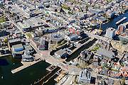 Nederland, Noord-Holland, Zaandam, 20-04-2015; binnenstad van Zaandam, zicht op De Dam en de Wilhelminsluis in rivier De Zaan.<br /> Zaandam city centre with river Zaan and dam and lock.<br /> luchtfoto (toeslag op standard tarieven);<br /> aerial photo (additional fee required);<br /> copyright foto/photo Siebe Swart