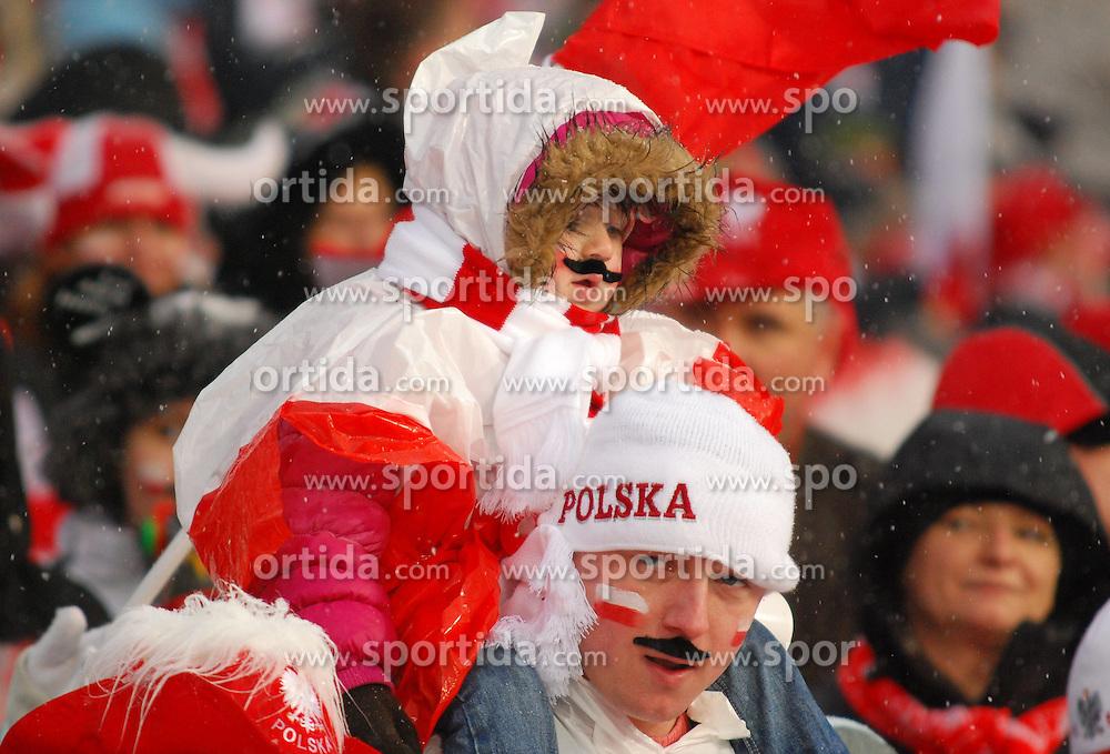 26.03.2011, Wielka Krokiew, Zakopane, POL, Adams Bulls Eye, im Bild  KIBICE during benefit Adama Malysz, Adam's Bull's Eye at Nordic Ski Arena Zakopane Poland on 26/3/2011. EXPA Pictures © 2011, PhotoCredit: EXPA/ Newspix/ Natalia Konarzewska +++++ ATTENTION - FOR AUSTRIA/(AUT), SLOVENIA/(SLO), SERBIA/(SRB), CROATIA/(CRO), SWISS/(SUI) and SWEDEN/(SWE) CLIENT ONLY +++++..
