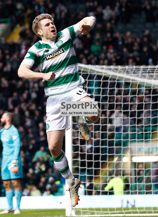 Celtic v St.Johnstone in the Ladbrokes Premiership....Stuart Armstrong makes it 2-1 for Celtic just before half time.....(c) STEPHEN LAWSON | SportPix.org.uk