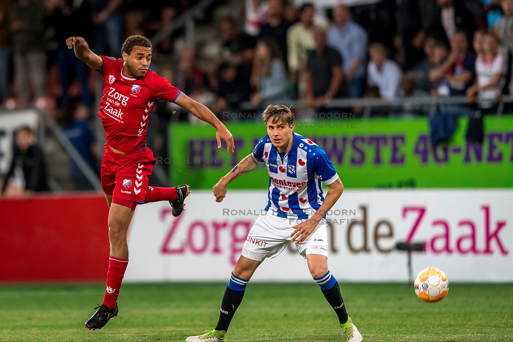 12-05-2018 NED: FC Utrecht - Heerenveen, Utrecht<br /> FC Utrecht win second match play off with 2-1 against Heerenveen and goes to the final play off / Cyriel Dessers #11 of FC Utrecht, Daniel Hoegh #3 of SC Heerenveen