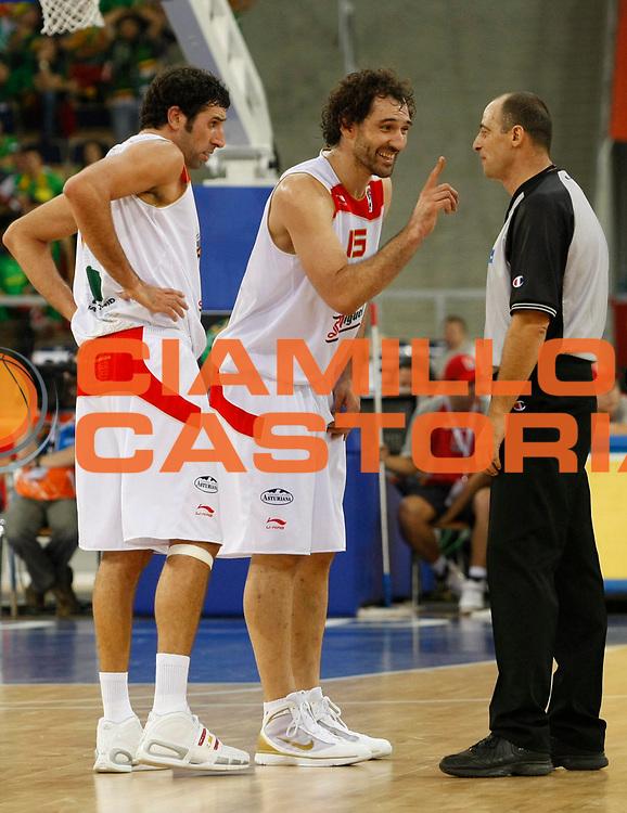 DESCRIZIONE : Lodz Poland Polonia Eurobasket Men 2009 Qualifying Round Spagna Spain Lituania Lithuania<br /> GIOCATORE : Jorge Garbajosa Arbitro Referee<br /> SQUADRA : Spagna Spain<br /> EVENTO : Eurobasket Men 2009<br /> GARA : Spagna Spain Lituania Lithuania<br /> DATA : 14/09/2009 <br /> CATEGORIA :<br /> SPORT : Pallacanestro <br /> AUTORE : Agenzia Ciamillo-Castoria/M.Metlas<br /> Galleria : Eurobasket Men 2009 <br /> Fotonotizia : Lodz Poland Polonia Eurobasket Men 2009 Qualifying Round Spagna Spain Lituania Lithuania<br /> Predefinita :
