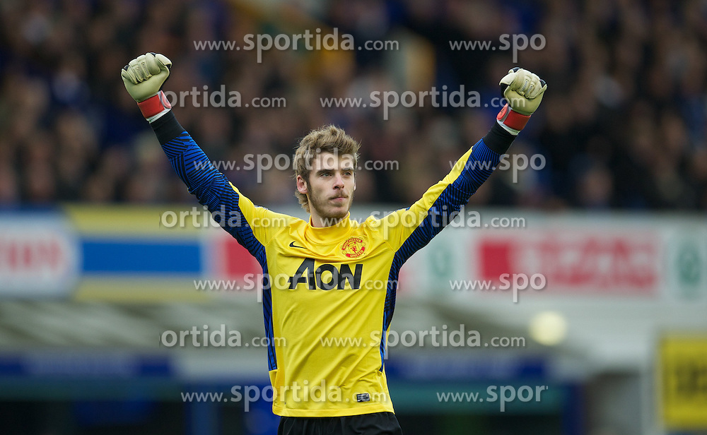 29.10.2011, Goodison Park, Liverpool, ENG, PL, Everton FC vs Manchester United FC, im Bild Manchester United's goalkeeper David de Gea celebrates his side's first goal against Everton  // during FA Premiere League Football match between Everton and vs Manchester United FC at Goodison Park, Liverpool, United Kingdom on 29/10/2011. EXPA Pictures © 2011, PhotoCredit: EXPA/ Propaganda Photo/ David Rawcliff +++++ ATTENTION - OUT OF ENGLAND/GBR+++++