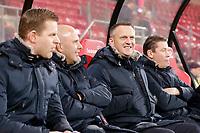 assistant trainer *Arne Slot* of AZ Alkmaar , coach *John van den Brom* of AZ Alkmaar