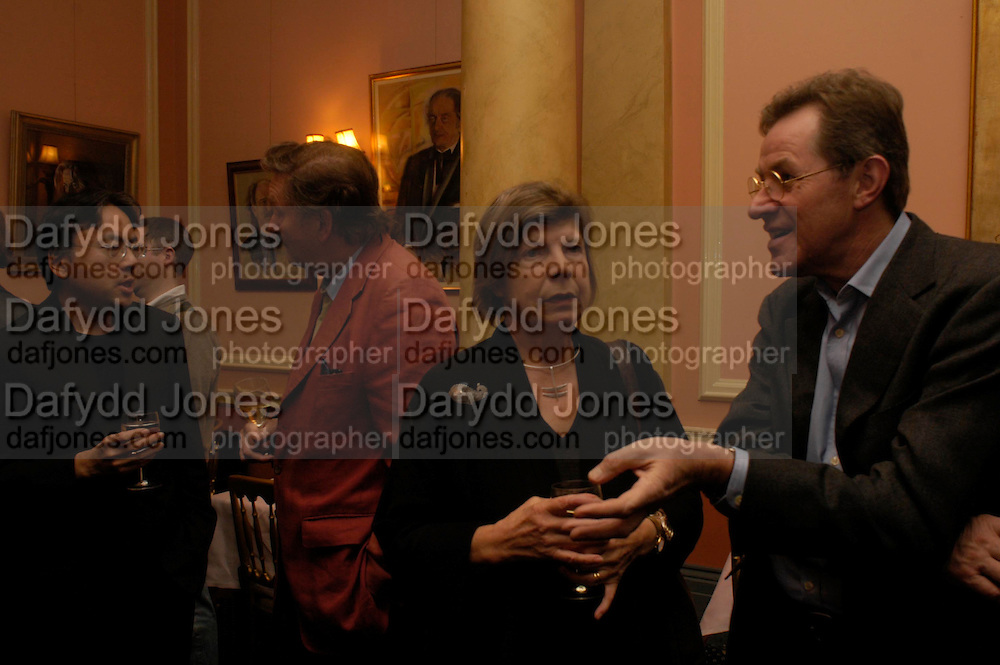 Kazuo Ishiguro and Michael Holroyd, Margaret Drabble and Jeremy Treglown. Book party for 'Saturday' by Ian McEwan, Polish Club, South Kensington.  4 February 2005. ONE TIME USE ONLY - DO NOT ARCHIVE  © Copyright Photograph by Dafydd Jones 66 Stockwell Park Rd. London SW9 0DA Tel 020 7733 0108 www.dafjones.com