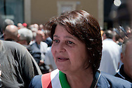 Roma 7 Giugno 2012 .Manifestazione degli abitanti  di Riano, a Piazza Montecitorio, contro la discarica di Pian Dell'Olmo. Marinella Ricceri, sindaco di Riano,