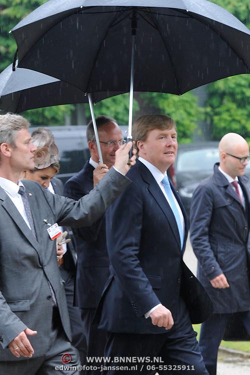 Koning en koningin bezoeken Noordrijn-Westfalen.<br /> Nederlands – Duitse bedrijvenbijeenkomst  bij SchlossMoyland<br /> <br /> King and Queen visit North Rhine-Westphalia.<br /> Dutch - German companies meeting SchlossMoyland<br /> <br /> Op de foto / On the photo:  <br /> <br />  Koning Willem Alexander / King Willem Alexander