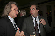 A.C. GRAYLING AND ALEXANDER WAUGH. The Colman Getty Pen Quiz, Cafe Royal. London. 27 November 2006. ONE TIME USE ONLY - DO NOT ARCHIVE  © Copyright Photograph by Dafydd Jones 66 Stockwell Park Rd. London SW9 0DA Tel 020 7733 0108 www.dafjones.com