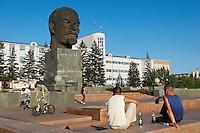 Russie, Sibérie, république de Bouriatie, Oulan Oude, tete de Lenine sur la place Sovietov. // Russia, Siberia, Bouriatie republic, Lenine head on Sovietov square.