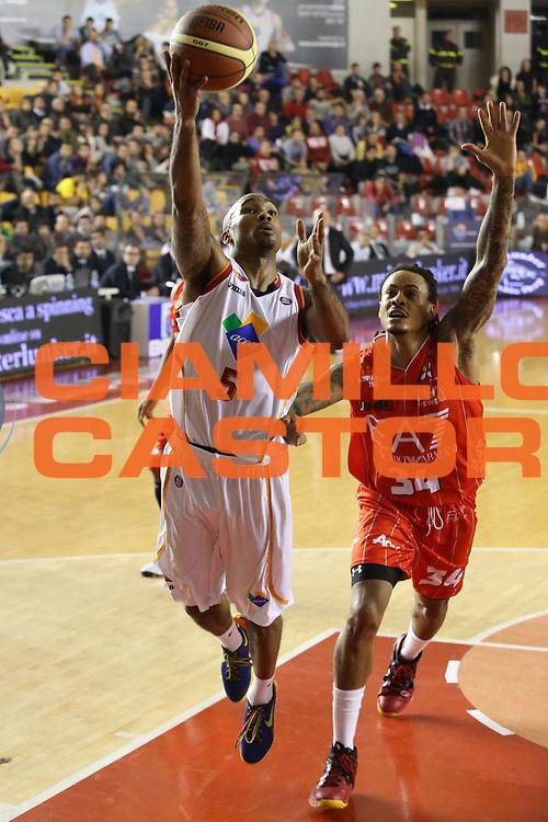DESCRIZIONE : Roma Campionato Lega A 2013-14 Acea Virtus Roma EA7 Emporio Armani Milano <br /> GIOCATORE : Phil Goss<br /> CATEGORIA : tiro equilibrio<br /> SQUADRA : Acea Virtus Roma<br /> EVENTO : Campionato Lega A 2013-2014<br /> GARA : Acea Virtus Roma EA7 Emporio Armani Milano <br /> DATA : 02/12/2013<br /> SPORT : Pallacanestro<br /> AUTORE : Agenzia Ciamillo-Castoria/M.Simoni<br /> Galleria : Lega Basket A 2013-2014<br /> Fotonotizia : Roma Campionato Lega A 2013-14 Acea Virtus Roma EA7 Emporio Armani Milano <br /> Predefinita :