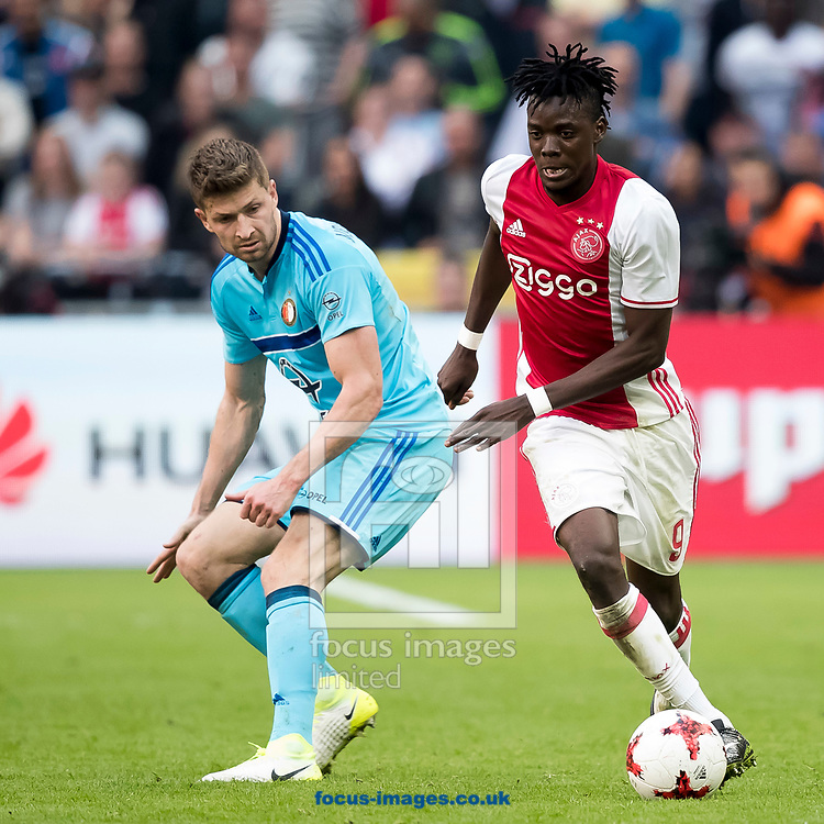 Bertrand Traore of Ajax (R), Jan-Arie van der Heijden of Feyenoord (L) during the Dutch Eredivisie match at Amsterdam Arena, Amsterdam<br /> Picture by Joep Joseph Leenen/Focus Images Ltd +316 5261929<br /> 02/04/2017<br /> ***NETHERLANDS OUT***
