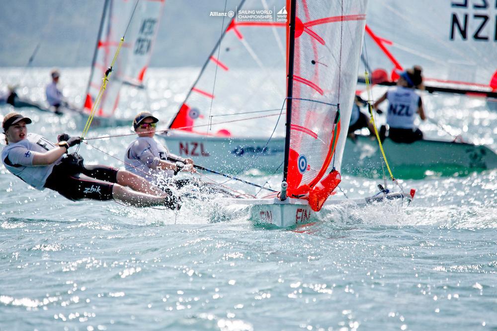 Finland29erWomenCrewFINVH7VeeraHokka<br />Finland29erWomenHelmFINSK11SirreKronl&ouml;f<br />Day1, 2015 Youth Sailing World Championships,<br />Langkawi, Malaysia