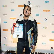 NLD/Utrecht/20181001 - Buma NL Awards 2018, Ronnie Flex nemen de Award Meest Succesvolle Single - Urban in ontvangst