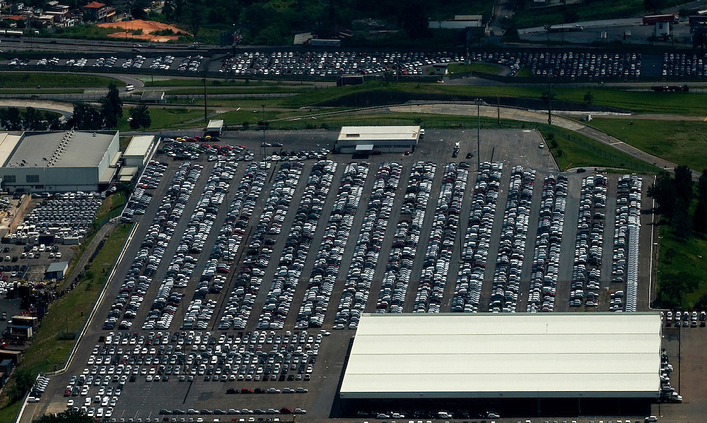Betim_ MG, Brasil...Imagens aereas do patio da FIAT em Betim...The aerial view of FIAT in Betim...Foto: BRUNO MAGALHAES / NITRO
