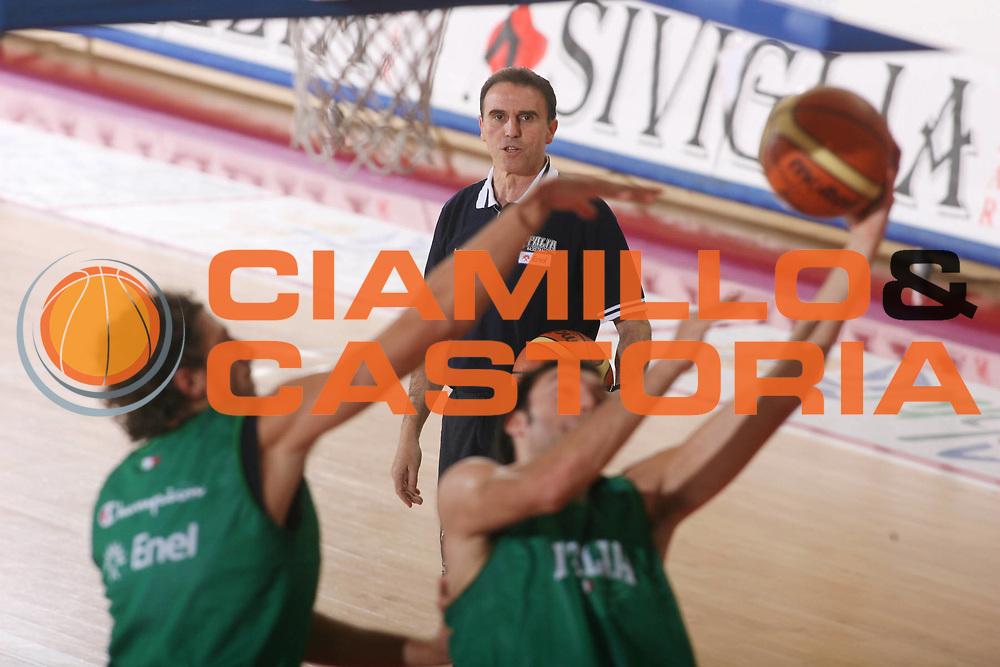 DESCRIZIONE : Teramo Raduno Collegiale Nazionale Italiana Maschile <br /> GIOCATORE : Carlo Recalcati <br /> SQUADRA : Nazionale Italia Uomini <br /> EVENTO : Raduno Collegiale Nazionale Italiana Maschile <br /> GARA : <br /> DATA : 12/11/2007 <br /> CATEGORIA : <br /> SPORT : Pallacanestro <br /> AUTORE : Agenzia Ciamillo-Castoria/G.Ciamillo