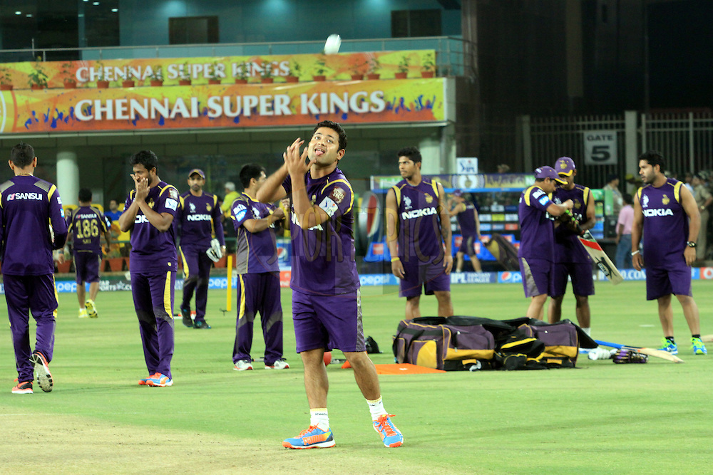 Kolkata Knight Riders players warmup during match 21 of the Pepsi Indian Premier League Season 2014 between the Chennai Superkings and the Kolkata Knight Riders  held at the JSCA International Cricket Stadium, Ranch, India on the 2nd May  2014<br /> <br /> Photo by Arjun Panwar / IPL / SPORTZPICS<br /> <br /> <br /> <br /> Image use subject to terms and conditions which can be found here:  http://sportzpics.photoshelter.com/gallery/Pepsi-IPL-Image-terms-and-conditions/G00004VW1IVJ.gB0/C0000TScjhBM6ikg