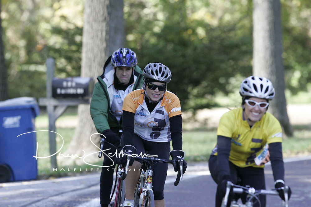 Pedal the Cause 2012.Over The Road.St. Louis, MO.07-OCT-2012..Credit: Andrew Selman / Halflife Studio