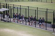Kooyong Lawn Tennis Club existiert seit 1892 in Kooyong,<br /> Schueler einer Privatschule kommen auf die Plaetze, Schulklasse,