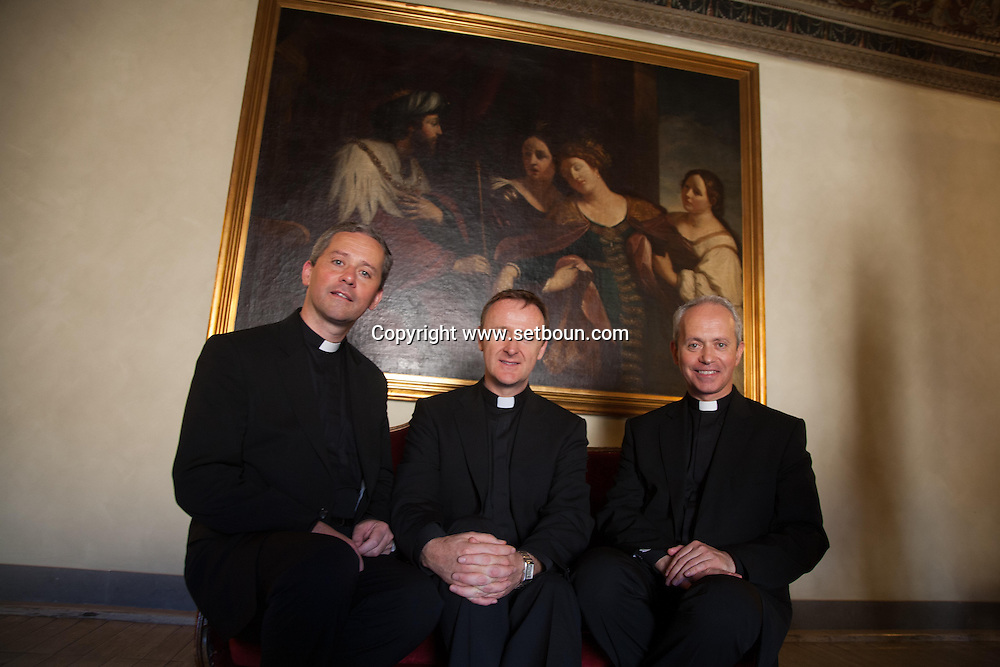 The Priest -Rome Italy - 2008 oct 10 - , Music group of three priest from Northern Irland, singing sacred music, Photos in the hotel Colombus in Rome / The Priest,  trois pretres  venus d Irlande du nord, chanteur de la musique lithurgique sacree. Photo de groupe dans les salons de l Hotel Colombus