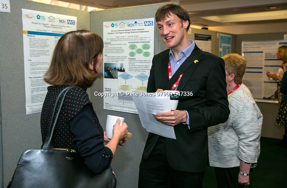 Marie Curie Palliative Care;<br /> Poster Viewing session;<br /> Round the Clock Conference 2016;<br /> Royal Soc of Medicine, Wimpole St, London;<br /> 19th October 2016.<br /> <br /> &copy; Pete Jones<br /> pete@pjproductions.co.uk