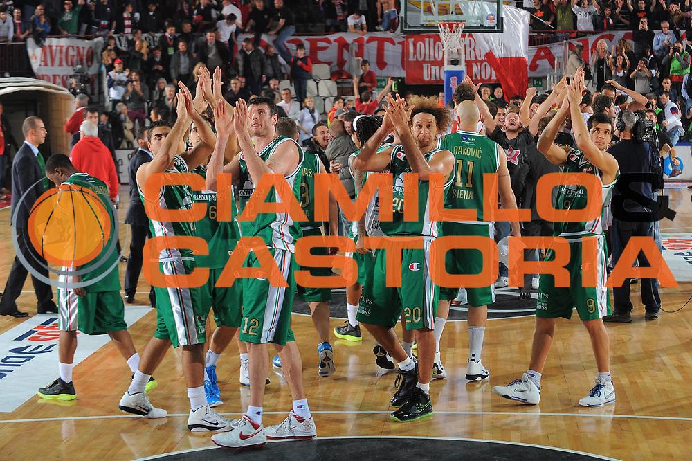 DESCRIZIONE : Varese Lega A 2010-11 Cimberio Varese Montepaschi Siena<br /> GIOCATORE : team Siena<br /> SQUADRA : Montepaschi Siena<br /> EVENTO : Campionato Lega A 2010-2011<br /> GARA : Cimberio Varese Montepaschi Siena<br /> DATA : 30/10/2010<br /> CATEGORIA : Ritratto Delusione<br /> SPORT : Pallacanestro<br /> AUTORE : Agenzia Ciamillo-Castoria/A.Dealberto<br /> Galleria : Lega Basket A 2010-2011<br /> Fotonotizia : Varese Lega A 2010-11 Cimberio Varese Montepaschi Siena<br /> Predefinita :
