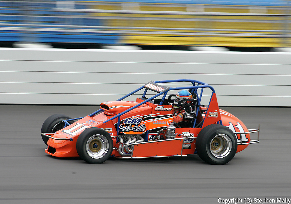 05 MAY 2007: Mike Murgoitio (11) of Walker-Guiducci Racing practices in his sprint car before the Casey's General Stores USAC Triple Crown at the Iowa Speedway in Newton, Iowa on May 5, 2007.