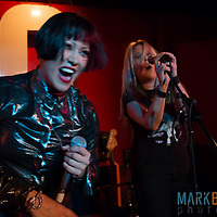 We've Got A Fuzzbox and We're Gonna Use It play London's 100 Club
