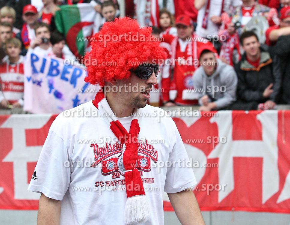 08.05.2010, Olympiastadion Berlin, GER, 1.FBL, Hertha BSCBerlin vs FC Bayern München im Bild Franck Ribery (FC Bayern München #7)  bei der Siegesfeier  EXPA Pictures © 2010, PhotoCredit: EXPA/ nph/  Hammes / SPORTIDA PHOTO AGENCY