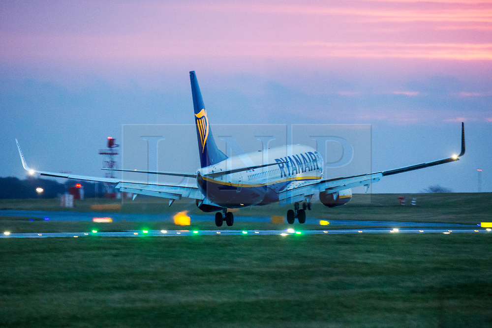 © Licensed to London News Pictures. 10/12/2019. Leeds UK. A Ryanair aircraft struggles to land in strong cross winds at Leeds Bradford Airport this morning as Storm Brendan begins to batter the UK. Photo credit: Andrew McCaren/LNP