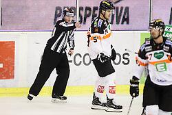 Linesman Natasa Pagon, Daniel Woger (Graz 99ers)