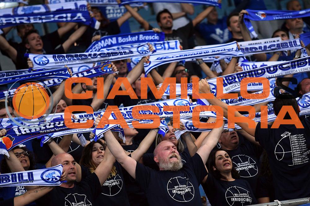 tifosi brescia<br /> VL Pesaro - Germani Leonessa Basket Brescia<br /> Lega Basket Serie A 2017/2018<br /> Pesaro, 01/10/2017<br /> Foto M.Ceretti / Ciamillo - Castoria
