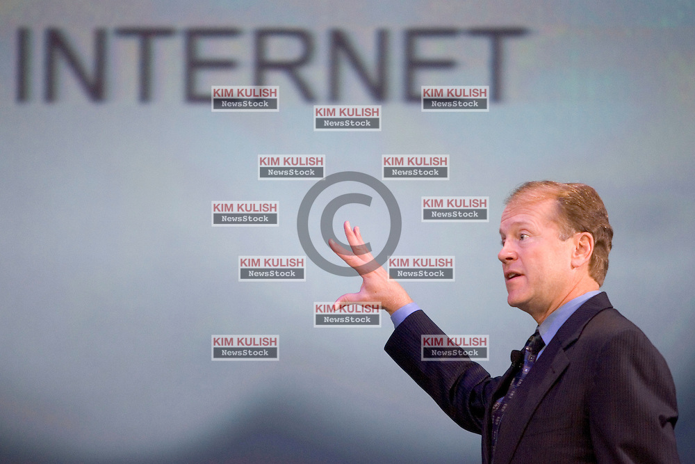 John Chambers, President and CEO of Cisco Systems, addresses the crowd during his keynote address at RSA Conference 2005 in San Francisco, Tuesday, Feb. 16, 2005.  Chambers outlined some of the San Jose, Calif.-based networking vendor's latest products in its Self-Defending Network  security strategy.     Photo By Kim Kulish