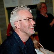 Directeur Kamperfoelieschool Huizen word 50 jaar