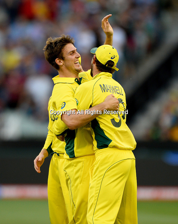 Mitchell Marsh (AUS) gets the wicket of Ian Bell (ENG)<br /> Australia vs England / Match 2<br /> 2015 ICC Cricket World Cup / Pool A<br /> MCG / Melbourne Cricket Ground <br /> Melbourne Victoria Australia<br /> Saturday 14 February 2015<br /> &copy; Sport the library / Jeff Crow