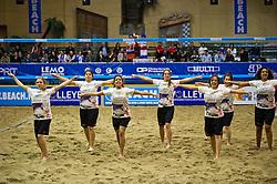 07-01-2011 VOLLEYBAL: CEV SATELLITE INDOOR BEACHVOLLEYBALL: AALSMEER<br /> The first CEV Indoor beachvolleyball tournament / Danseressen, dancers<br /> ©2011-WWW.FOTOHOOGENDOORN.NL / Peter Schalk