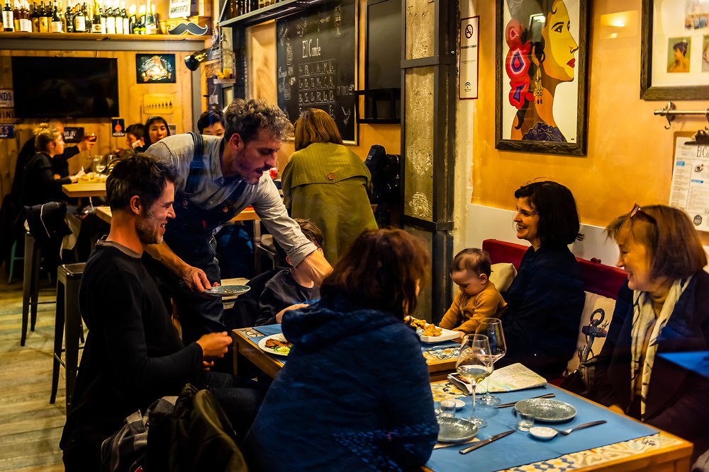 El Conde tapas restaurant, Calle Rosario, Granada, Granada Province, Andalusia, Spain.