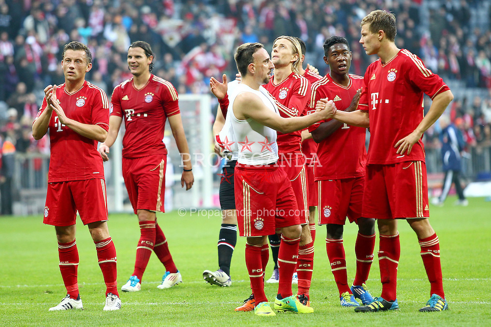 29.10.2011, Allianz Arena, Muenchen, GER, 1.FBL,  FC Bayern Muenchen vs 1. FC Nuernberg, im Bild Die Bayern feiern mit den Fans mit Ivica Olic (Bayern #11) Daniel van Buyten (Bayern #5) Franck Ribery (Bayern #7) Anatoliy Tymoshchuk (Bayern #44) David Alaba (Bayern #27) Holger Badstuber (Bayern #28)  // during the match FC Bayern Muenchen vs 1. FC Nuernberg, on 2011/10/29, Allianz Arena, Munich, Germany, EXPA Pictures © 2011, PhotoCredit: EXPA/ nph/  Straubmeier       ****** out of GER / CRO  / BEL ******
