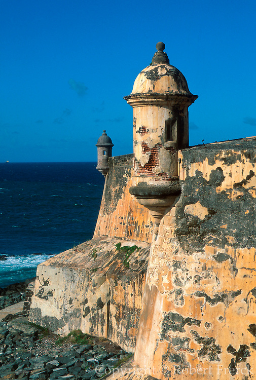 PUERTO RICO, SAN JUAN El Morro fortress watch-towers