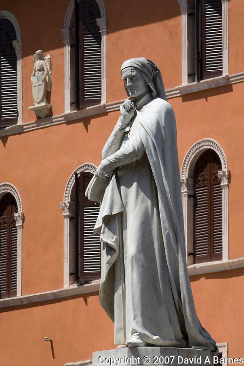 Statue of Dante Alighieri in Piazza dei Signore, Verona, Venetia, Italy