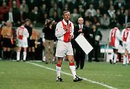 Foto: Gerrit de Heus. Amsterdam. 06/04/99. Johan Cruijff bedankt het publiek na zijn erewedstrijd (Ajax-Barcelona)<br /> Keywords: cruyff
