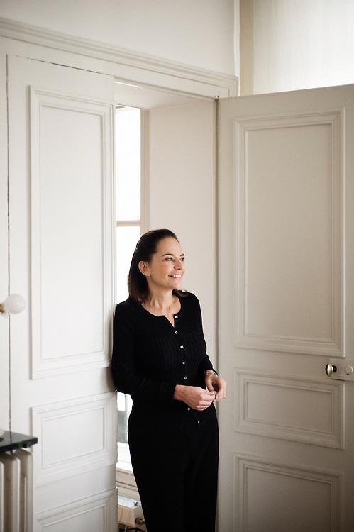 Caroline Eliacheff, ecrivain, pedo-psychiatre et chroniqueuse radio (France Culture), dans son cabinet a Paris 6e, France. 15 janvier 2010. Photo : Antoine Doyen
