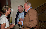 Diana Melly, Jonathan Miller and Claus von Bulow. Book launch of Take A Girl Like Me - Life With George by Diana Melly. The Polish Club. Exhibition Rd. London. 21 July 2005. ONE TIME USE ONLY - DO NOT ARCHIVE  © Copyright Photograph by Dafydd Jones 66 Stockwell Park Rd. London SW9 0DA Tel 020 7733 0108 www.dafjones.com