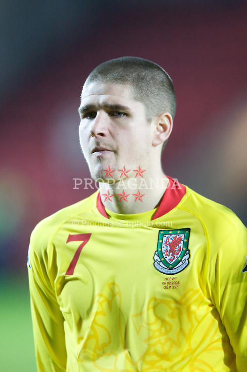 WREXHAM, WALES - Wednesday, February 6, 2008: Wales' Carl Robinson before the international friendly match against Norway at the Racecourse Ground. (Photo by David Rawcliffe/Propaganda)