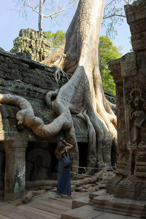 March 31, 2014 - Siem Reap. Tourists visit the Ta Prohm temple. © Thomas Cristofoletti / Ruom
