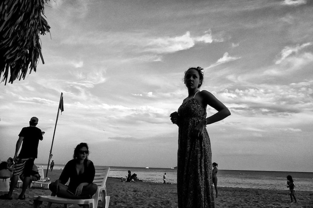 DESDE EL AUTOEXILIO<br /> Photography by Aaron Sosa<br /> Farallón, Playa Blanca - Panama 2013