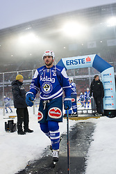 03.01.2015, Klagenfurter Wörthersee Stadion, Klagenfurt, AUT, EBEL, EC KAC vs EC VSV, 35. Runde, in picture  Benjamin Petrik (EC VSV, #21) during the Erste Bank Icehockey League 35. Round between EC KAC and EC VSV at the Klagenfurter Wörthersee Stadion, Klagenfurt, Austria on 2015/01/03. Photo by Matic Klansek Velej / Sportida