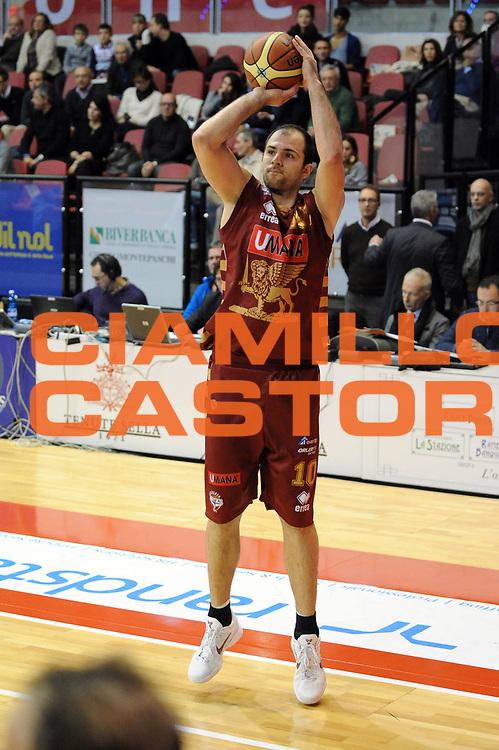DESCRIZIONE : Biella Lega A 2012-13 Angelico Biella Umana Reyer Venezia<br /> GIOCATORE : Szymon Szewczyk<br /> CATEGORIA : Tiro<br /> SQUADRA : Umana Reyer Venezia<br /> EVENTO : Campionato Lega A 2012-2013 <br /> GARA : Angelico Biella Umana Reyer Venezia<br /> DATA : 25/11/2012<br /> SPORT : Pallacanestro <br /> AUTORE : Agenzia Ciamillo-Castoria/M.Ceretti<br /> Galleria : Lega Basket A 2012-2013  <br /> Fotonotizia : Biella Lega A 2012-13 Angelico Biella Umana Reyer Venezia<br /> Predefinita :
