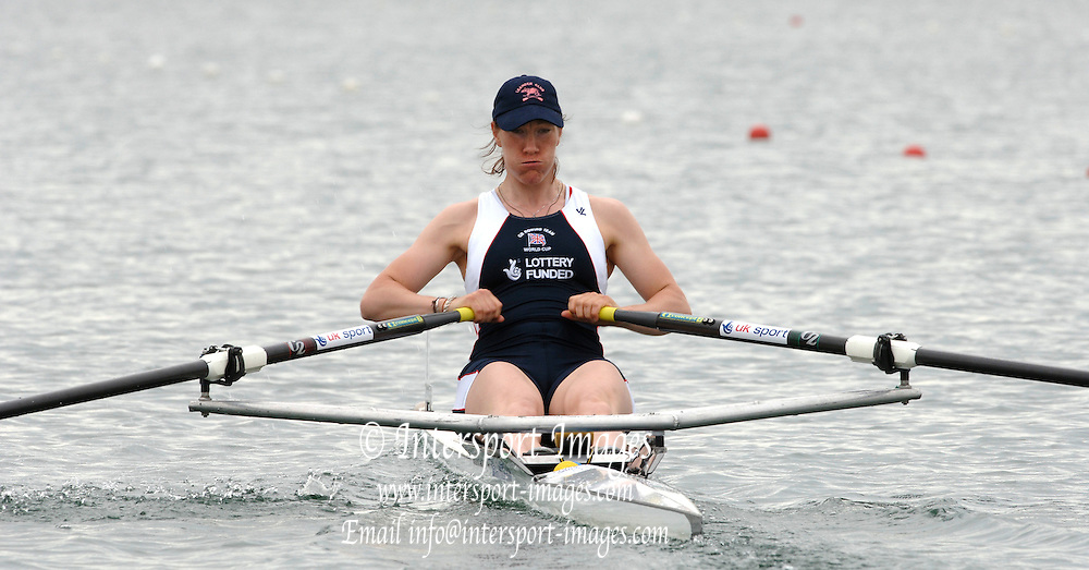 2005 FISA World Cup, Dorney Lake, Eton, ENGLAND, 26.05.05. [Thursday am] GB single sculler Debbie Flood, moves away from the start in her heat of the women's single sculls.  Photo  Peter Spurrier. .email images@intersport-images...[Mandatory Credit Peter Spurrier/ Intersport Images] , Rowing Courses, Dorney Lake, Eton. ENGLAND